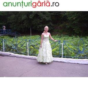 Imagine anunţ inchiriez rochie de seara