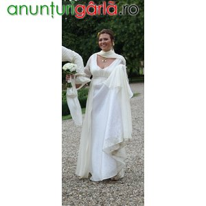 Imagine anunţ inchiriez rochie medievala mireasa