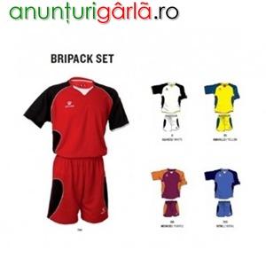 Imagine anunţ Importator echipament sportiv, materiale sportive, fotbal, cautam parteneri