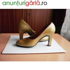 Imagine anunţ Pantofi aurii din piele lacuita