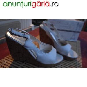 Imagine anunţ Sandale platforma albe