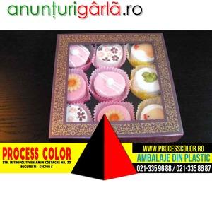 Imagine anunţ Cutie din carton cu fereastra 9 petits fours Process Color