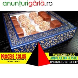 Imagine anunţ Cutii din carton colorat cu fereastra 16 praline asortate Process Color
