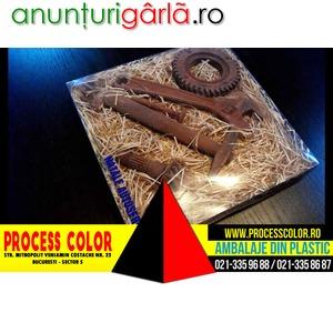 Imagine anunţ Cutie din plastic set cadou figurine ciocolata Process Color