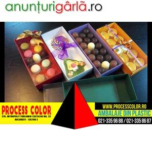Imagine anunţ Cutii carton colorat cu 2 chese Macarons Process Color