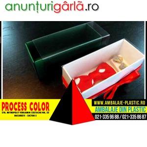 Imagine anunţ Cutii din carton alb pentru papioane Process Color