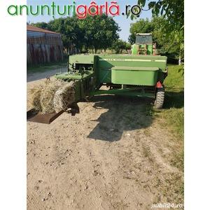 Imagine anunţ Vand balotiera John Deere 386 si un tractor Universal 445