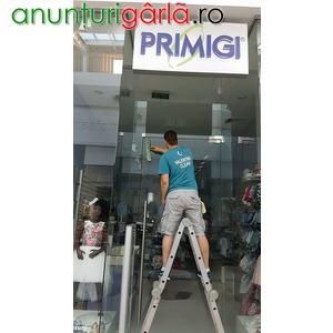 Imagine anunţ decolantat geamuri magazine